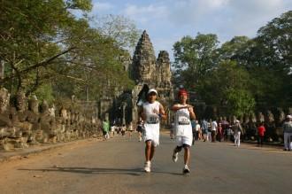 Läufer auf der Siegerallee von Angkor Thom