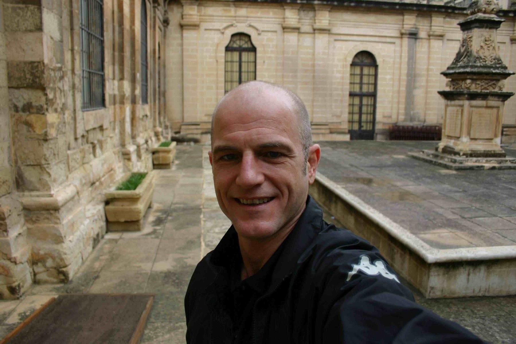 Robert Niedermeier alias ReiseRobby auf Malta - leichter Regen Ende November
