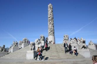 Symbol des Lebens: Monolith aus Granit, Vigeland-Park Oslo
