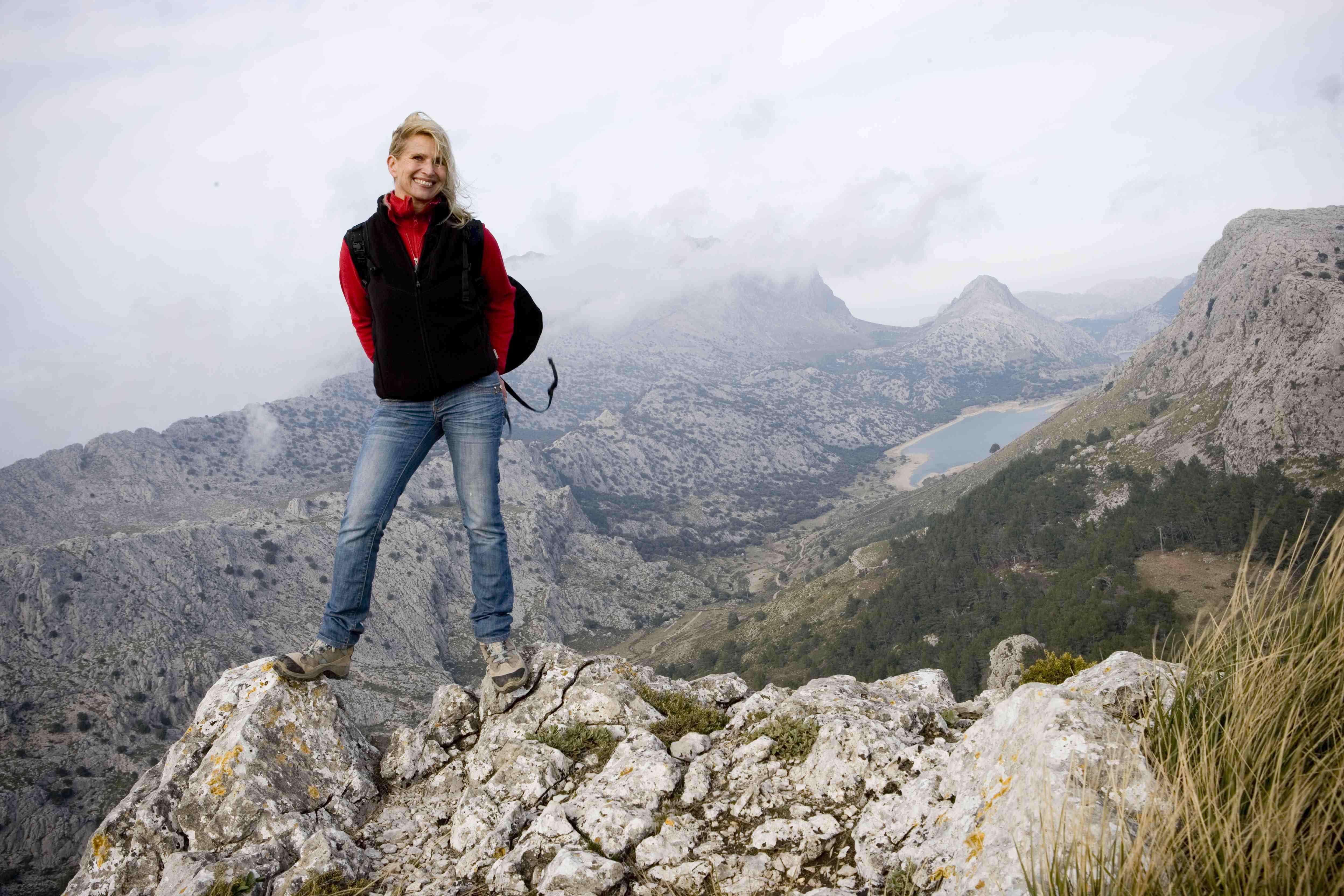 Prinzessin Astrid zu Stolberg auf dem 1100 Meter hohen Berges L'Ofre