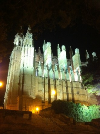 Kathedrale bei Nacht