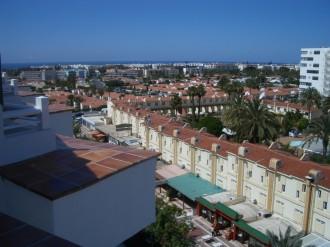 Blick über die Dächer des Urlauber-Ortes Playa de Ingles auf Gran Canaria, Kanarische Inseln, Spanien