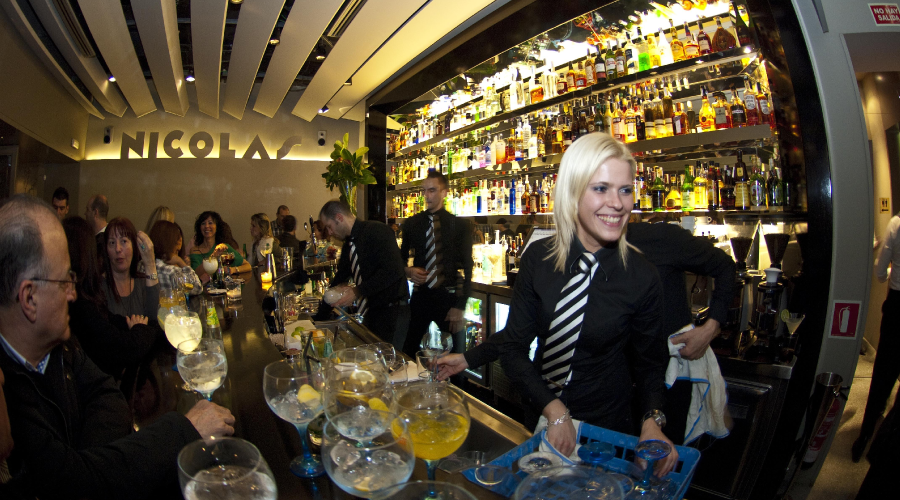 NICOLAS Bar, am Plaza Mercat in Palma auf Mallorca, Foto: Joe Wyneken