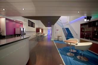 Die schicke Lounge steht exklusiv den Solo-Cruisern zur Verfügung