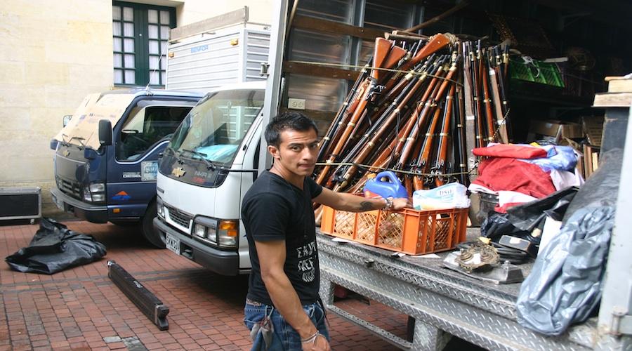 Crew-Helfer am Set für die Soap La Pola in Bogotá