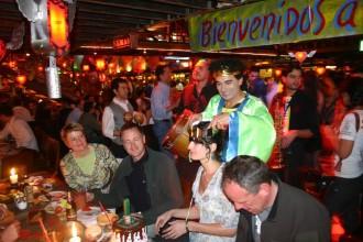 Deutsche Journalistin wird im Club Inferno zum Kuriosen Gast gewählt