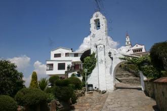 "Pilgerkapelle ""Zum gefallenen Herren"" in Bogotá oben auf dem Monserrate"