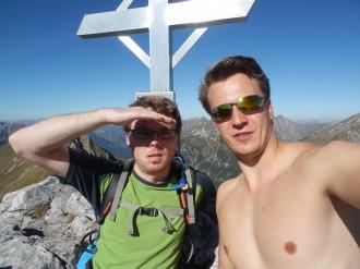 Ronny Seraphin und Fabian Stahl auf dem Gipfel vom Falscher Kogel, 2388 Meter über dem Meeresspiegel