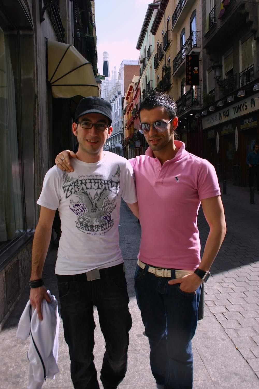 Schwules Pärchen in Madrid (Chueca)