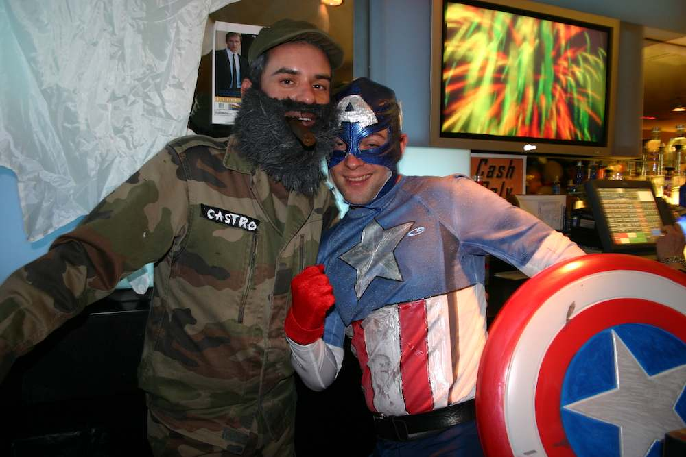 T.O.C. -– Tavern on Camac: Im schwulen Traditions-Club küsst Fidel Castro auch Captain America
