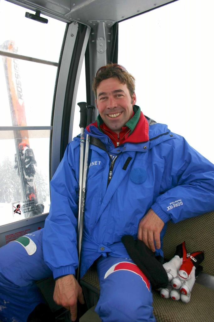 Skilehrer Johann fährt ab St.Vigil die Gondel zum Kronplatz hoch