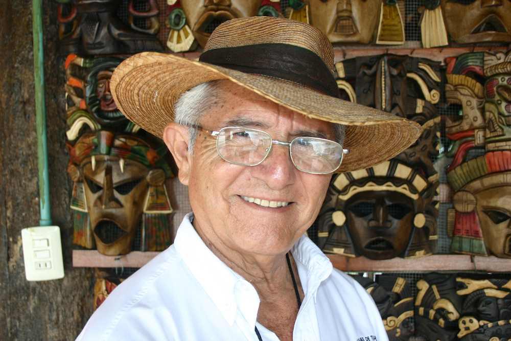 Lehrer Manuel ist pensioniert und arbeitet seit 13 Jahren als Touristen-Führer