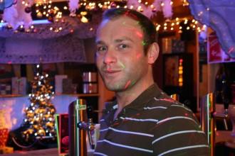 Salzburger Lesben- und Schwulenlokal: Kellner in der Mexxx-Bar