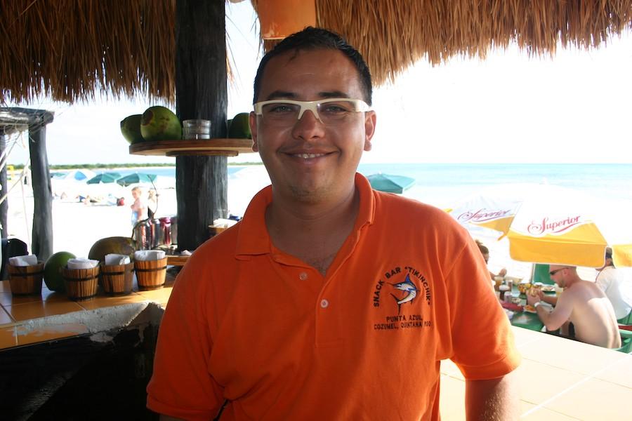 """Manuel die Strandbar """"Tikinchik""""."""