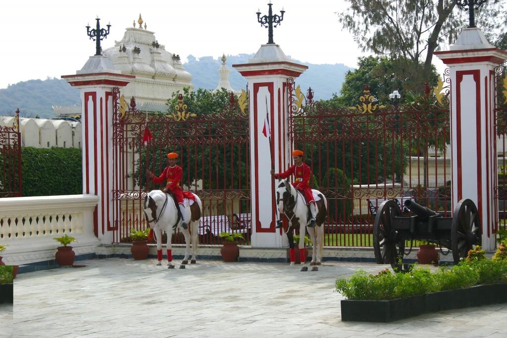 Stadtpalast-Wachen von Udaipur