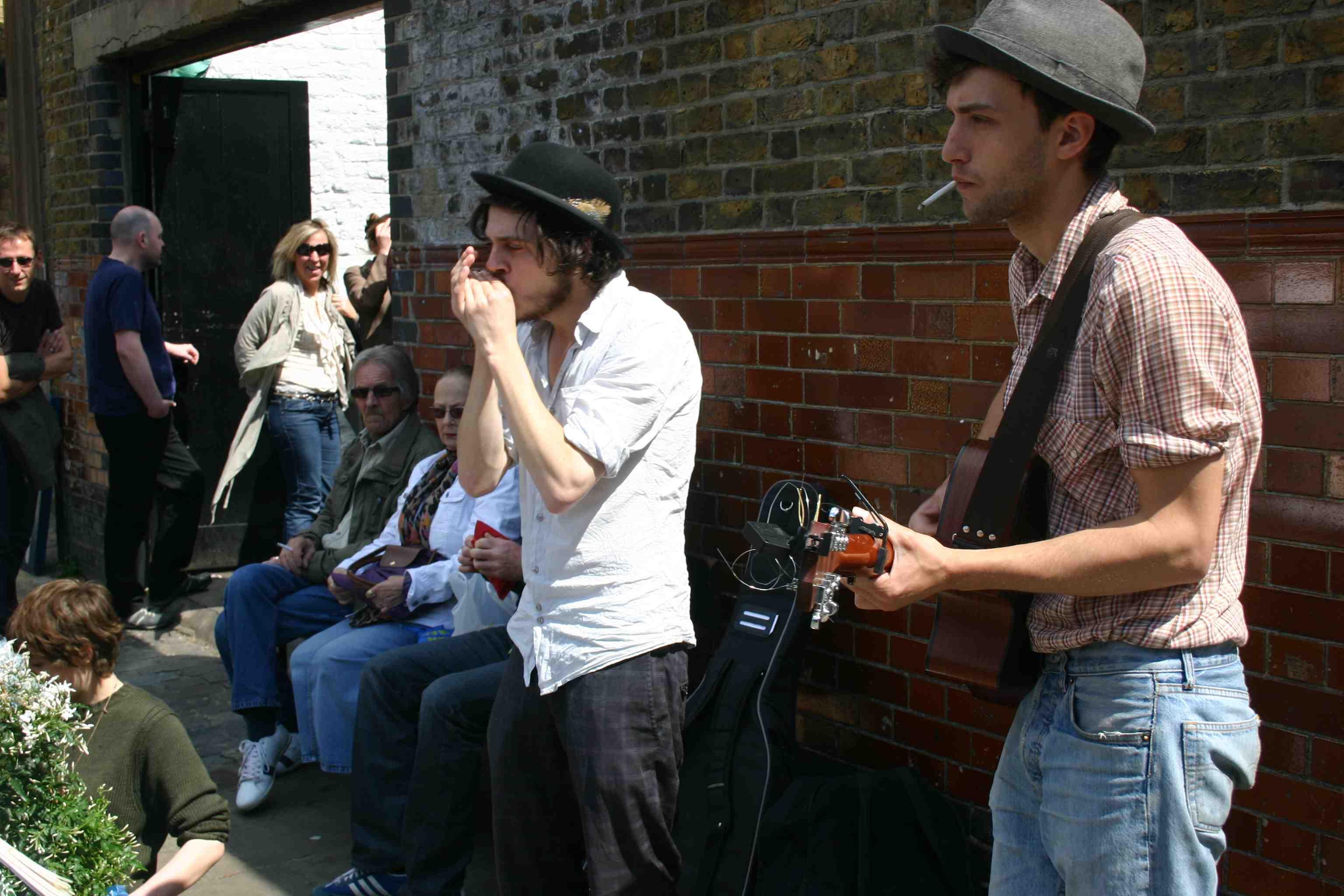 Straßenmusiker in Hackney am Blumenmarkt