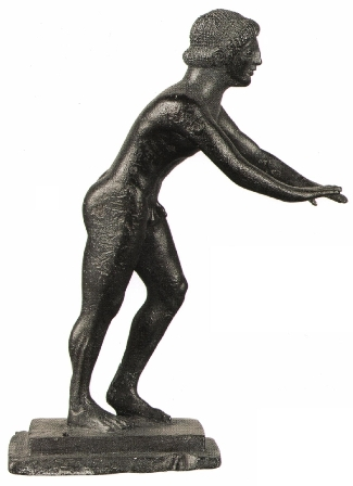 "das Kulturereignis des Jahres nach Berlin. Läuferstatuette mit Weih-Inschrift ""Ich gehöre Zeus"", Bronze; spätarchaisch, um 450 v. Chr. Archäologisches Museum Olympia © The Hellenic Ministry of Culture and Tourism, Archaeological Receipts Fund Foto: Socratis Mavrommatis"