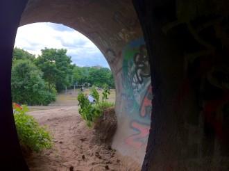 Röhre am Kinderspielplatz im Görlitzer Park