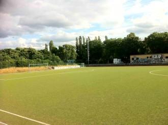 Fußballplatz mit super Rasenfläche am Görlitzer Park