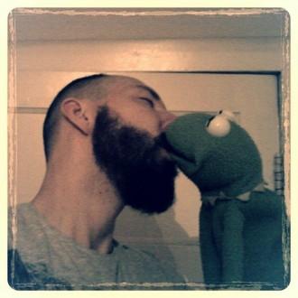 Die ist keine Global Kiss-in-Foto