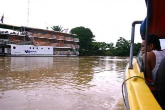 Juan steuert: Anfahrt im Speedboat ab Coca