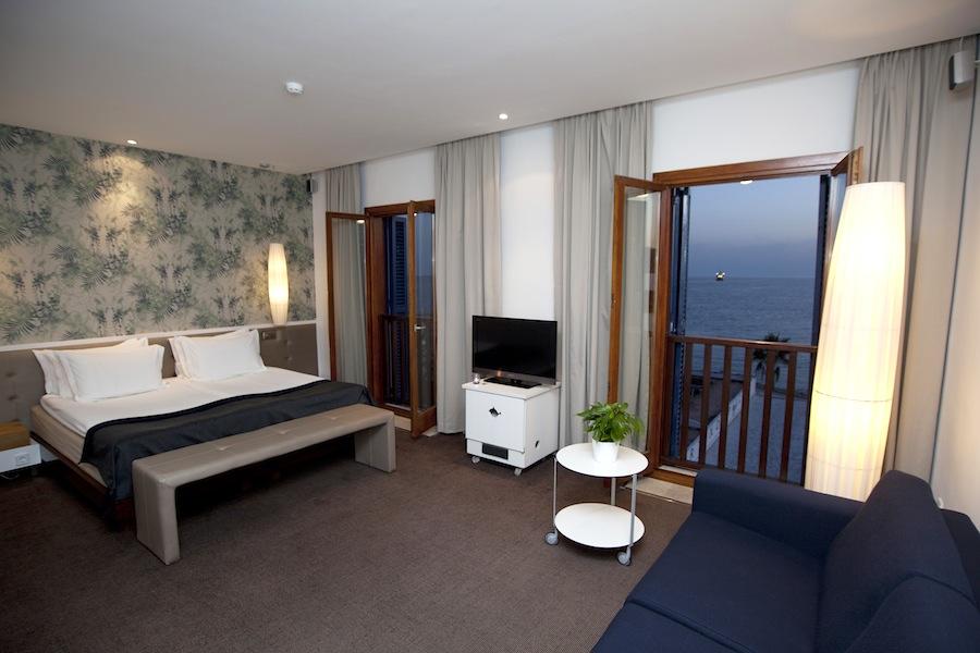 Klares Raum-Design: Hotel Portixol