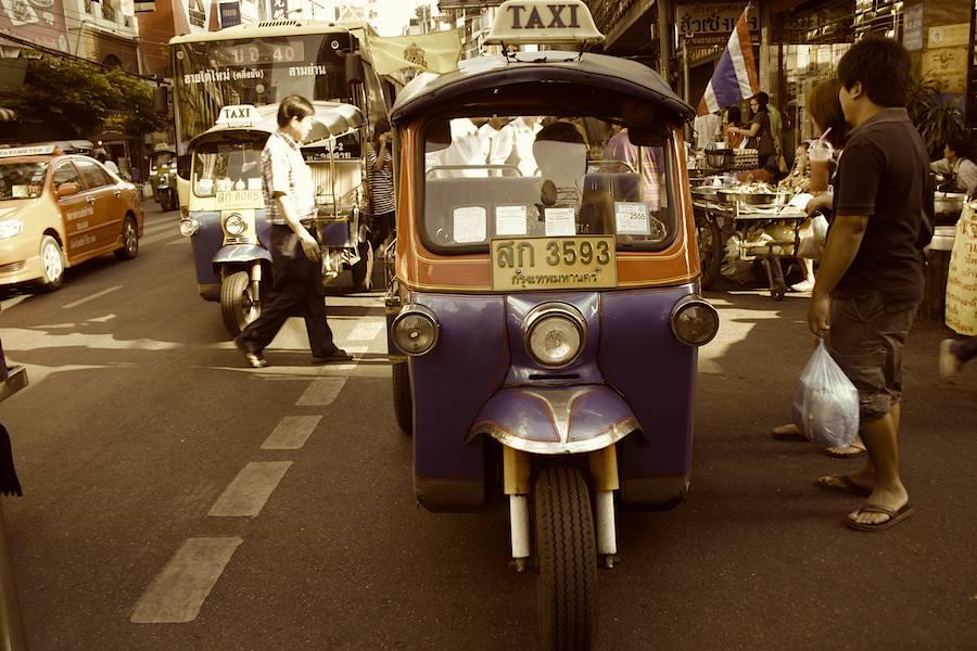 Bus, PKW-, oder Tuk Tuk-Taxi? , Foto: Robert Niedermeier