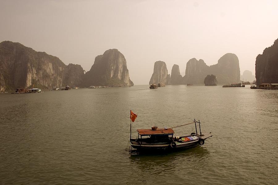 Schrimps-Boot: Bewohner der Halong Bay
