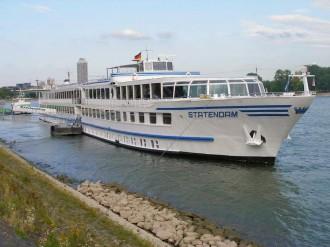 2000 PS, 98 Kabinen: Die MPS Statendam vor der Abfahrt