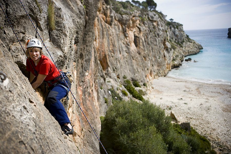 Bucht Cala Magrana: Xiscia Villalonga klettert