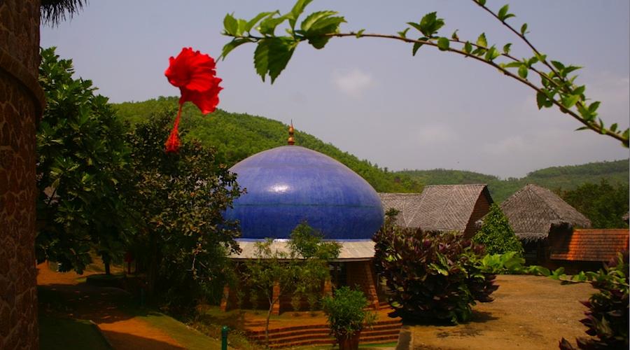 SwaSwara: Meditation unter der blauen Kuppel