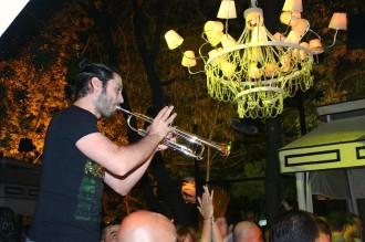 Frame-Club: Trompete unterstützt den DJ