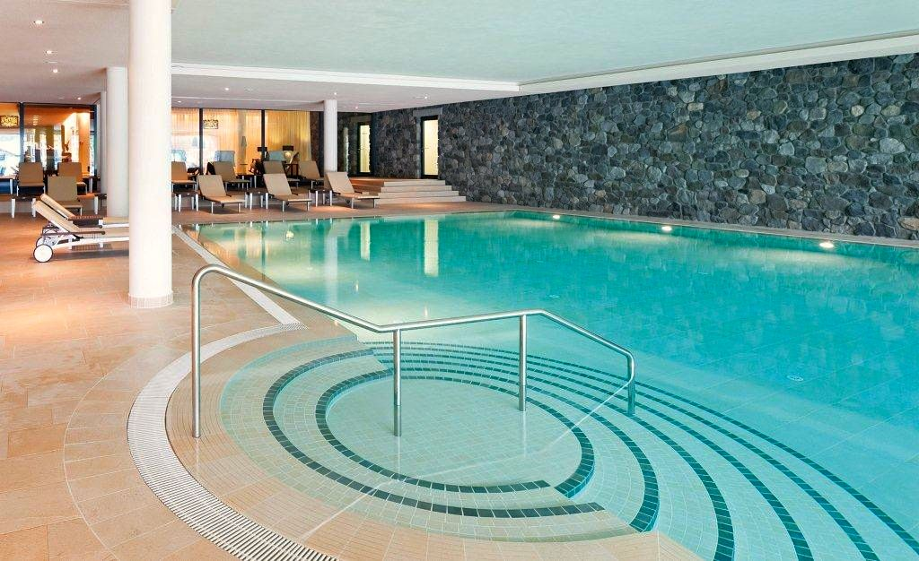 Der Pool im Travel Charme-Ifen Hotel