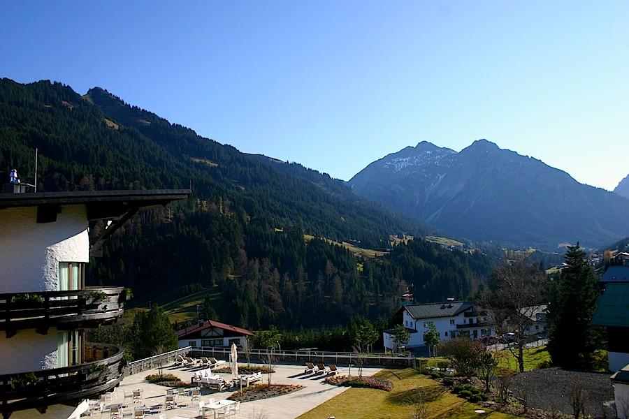 Auch in grünen Jahreszeiten ein schönes Panorama. Foto: Robert Niedermeier