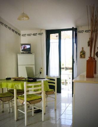 Neben dem Wohnzimmer die kleine gemütliche Küche