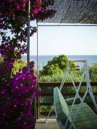 Meerblick von der Terrasse Allen Gäste steht es selbstverständlich frei, sich auf der großen, ruhigen Terrasse zu entspannen.