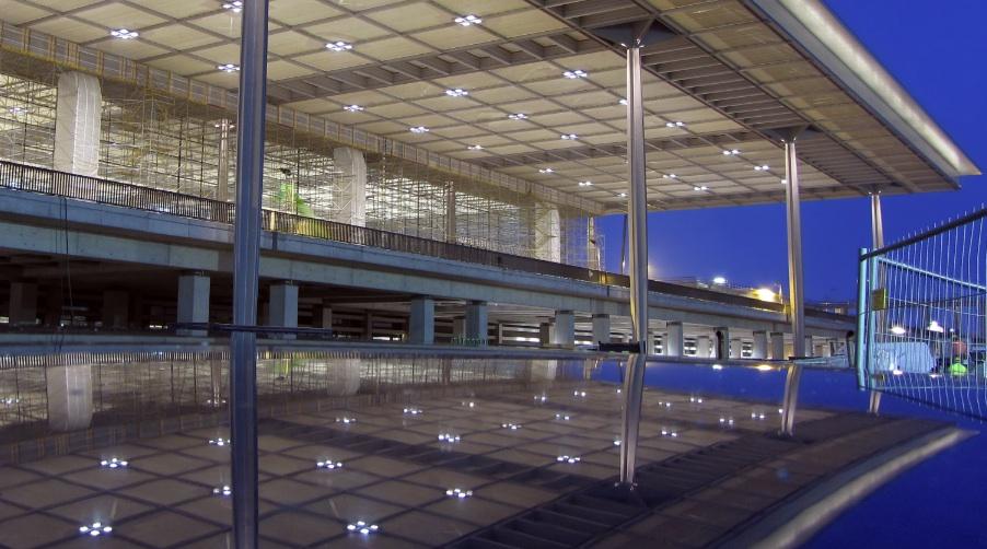 Terminal im Bau im April 2012, Foto: Richard Niedermeier