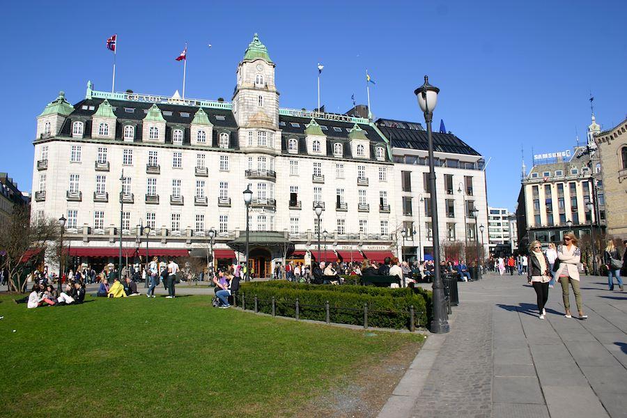 Grand Hotel gegenüber vom Parlament