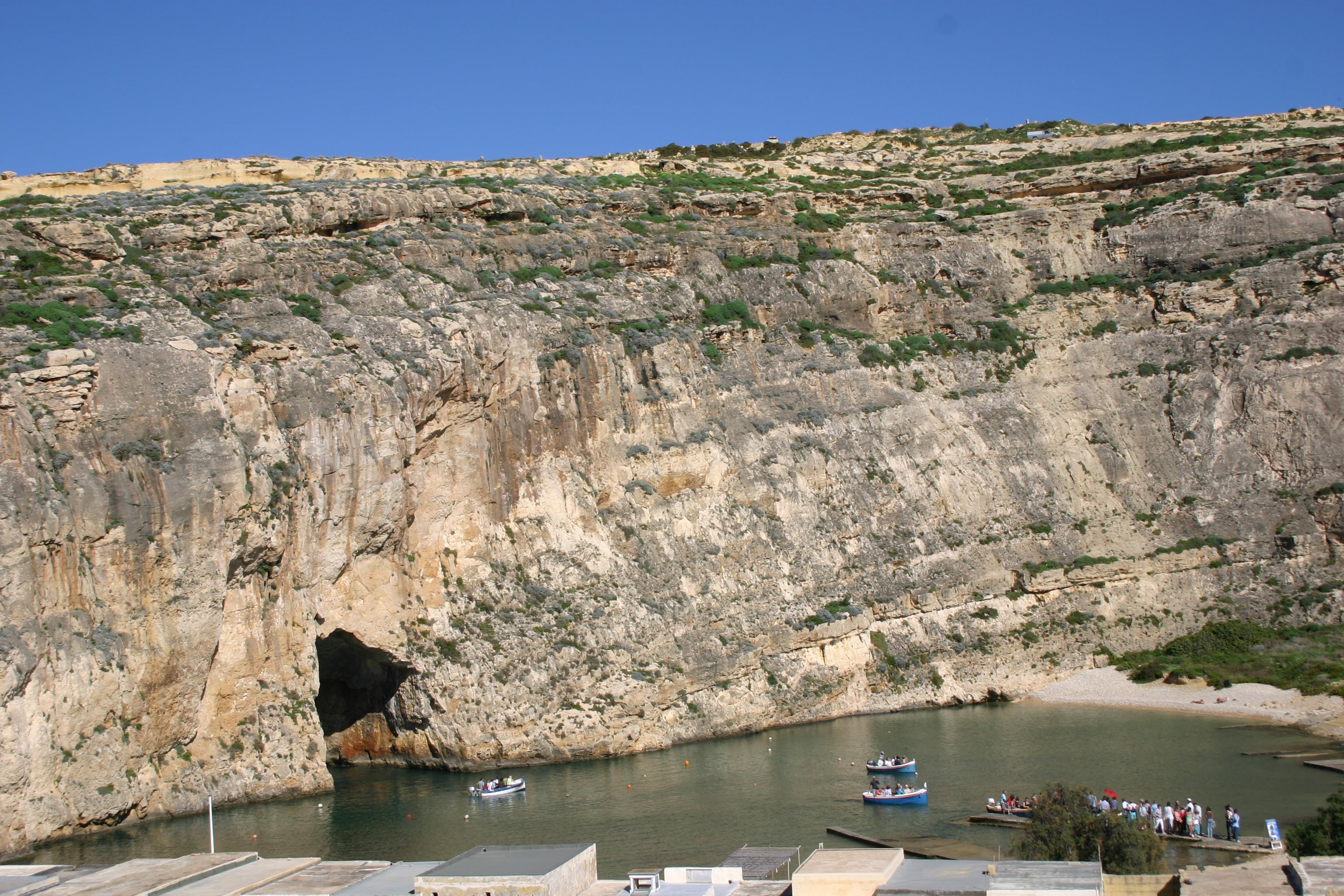 Badebucht beim Felsentor: Nur mit Booten erreichbar