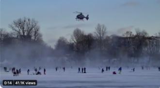 Polizeihubschrauber vertreibt Bürgerinnen vom zugefrorenen Weißensee in Berlin