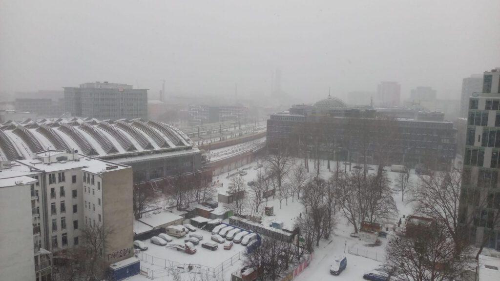 Winter 2021 Grau in grau am Ostbahnhof