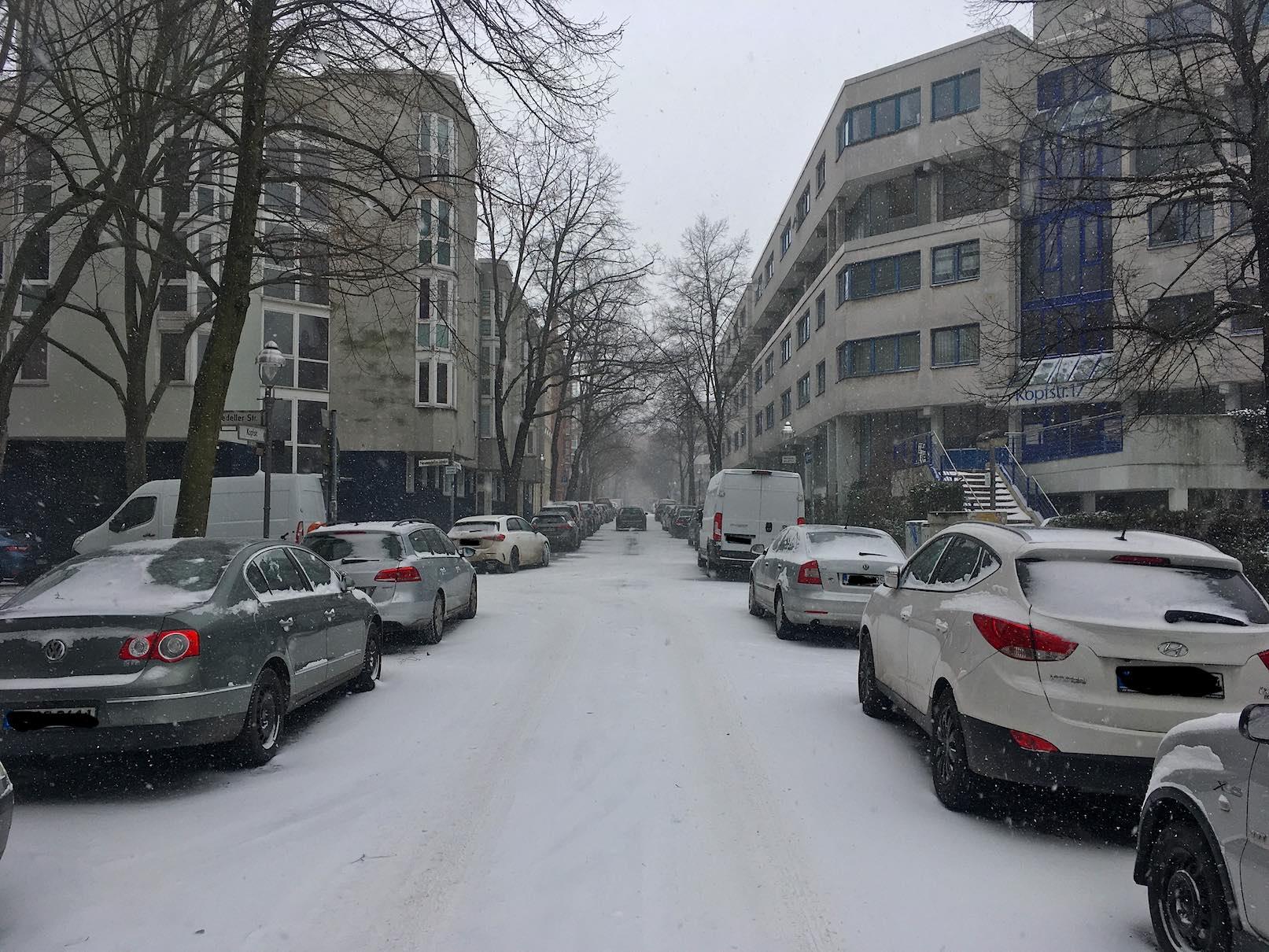 Rollberg-Kiez verschneit