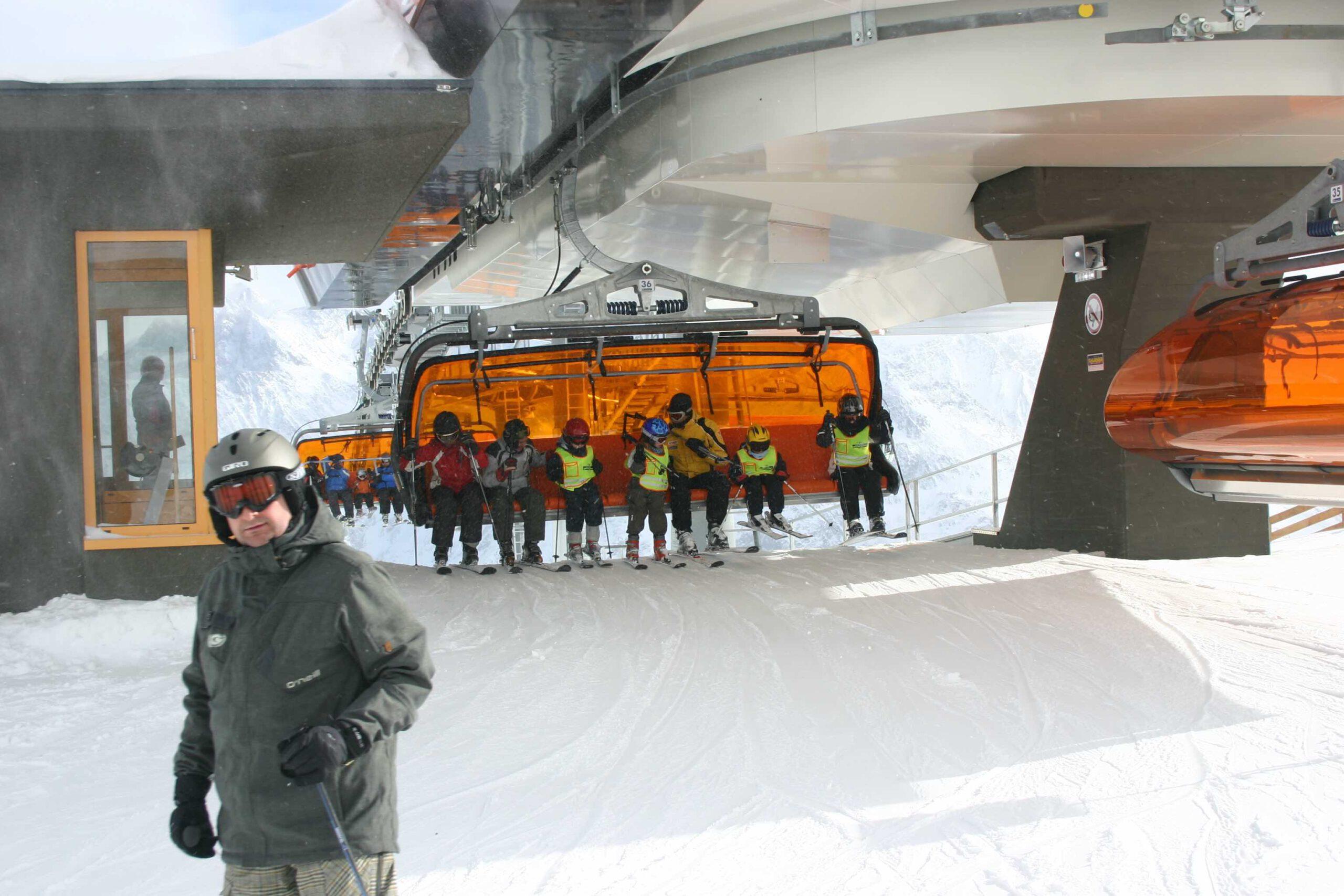 Schneeexperte Georg Eisath ist Gründer der Herstellerfirma Techno Alpin am Giggijoch-Sessellift