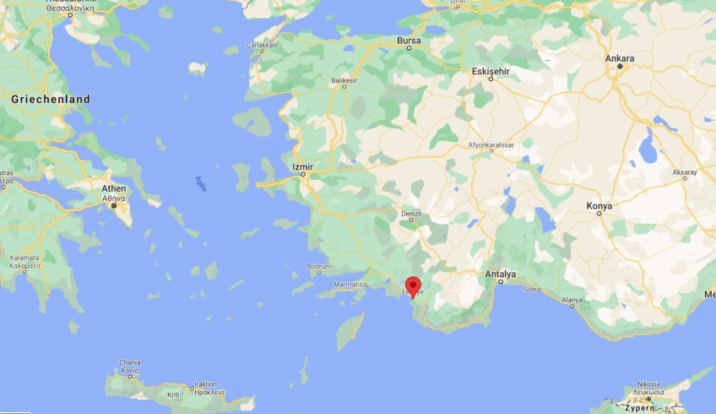 Fethiye ist eine Hafenstadt an der Türkischen Riviera im Südwesten des Landes.