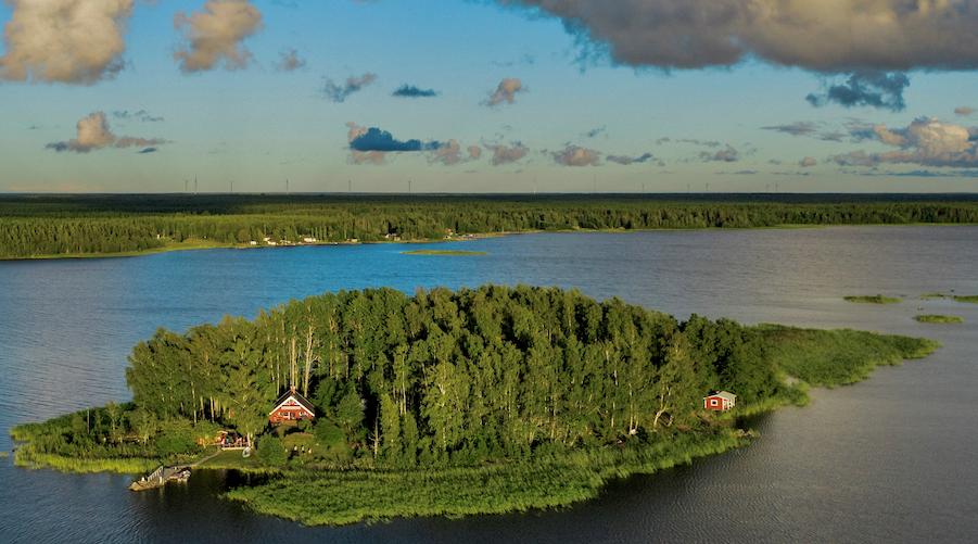 Die Deutschen Jannis und Timo Pohl sind Besitzer von Majorsgrund und vermieten das Eiland in Westfinnland an Urlauber