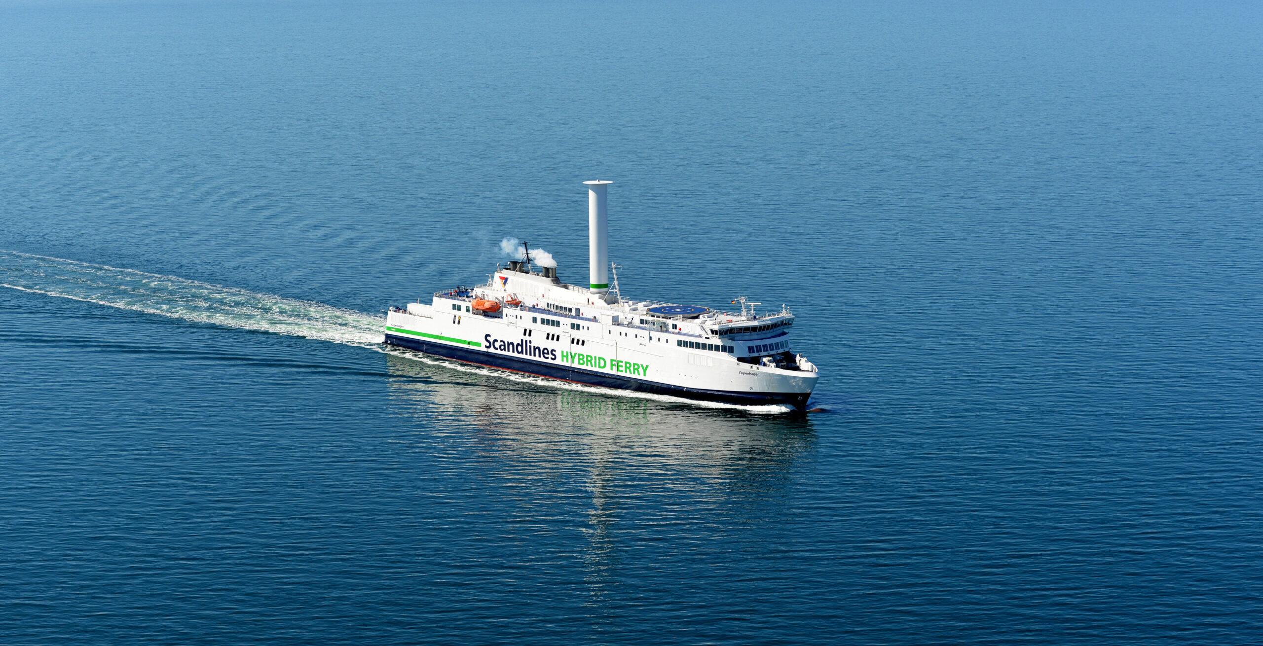 """Hybridfähre """"Copenhagen"""" das größte Schiff mit einem Segel,"""