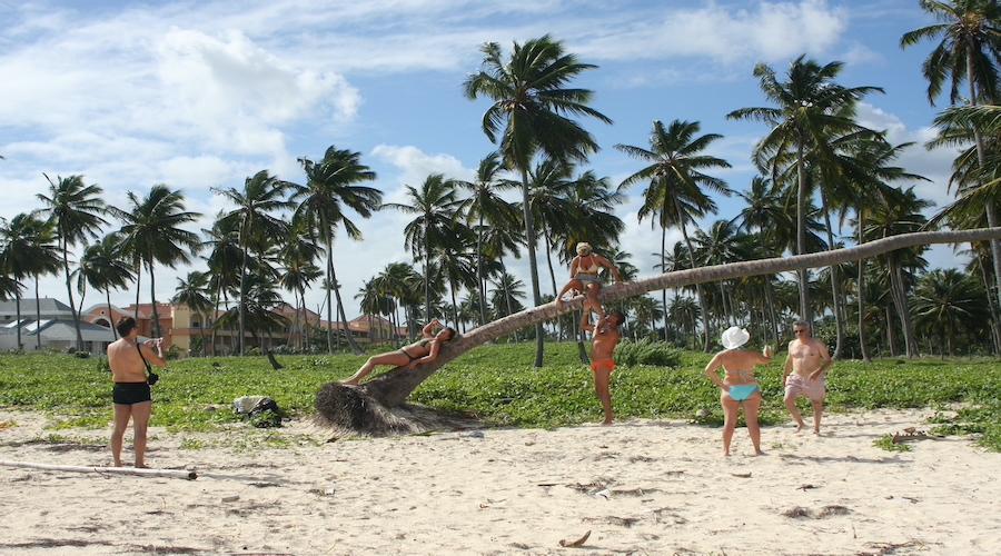 Am Strand von Punta Cana im Osten der Karibik-Insel Hispaniola in der Dominikanischen Republik.