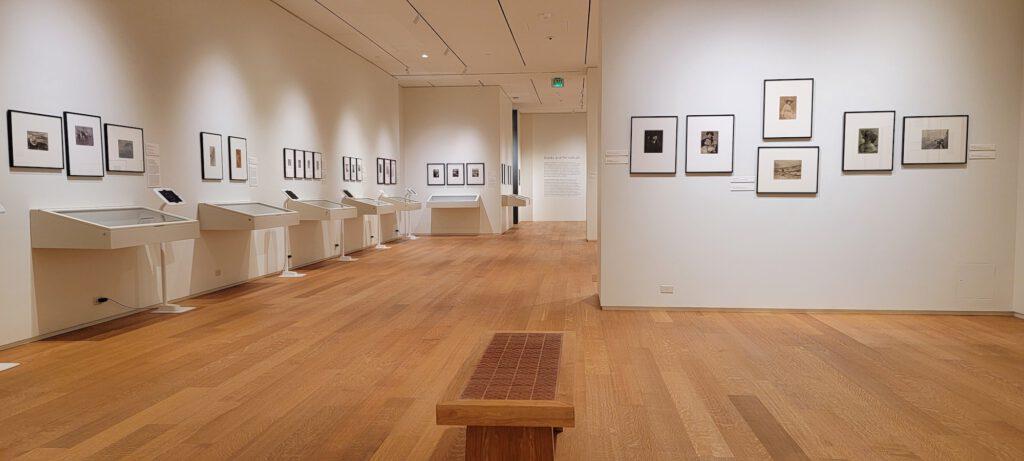 Mehrere Galerien zeigen wertvolle Exponate der amerikanischen Geschichte von Kunst und Handwerk